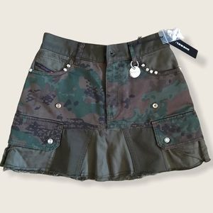 🔥Diesel Military Skirt size 27 NWT🔥